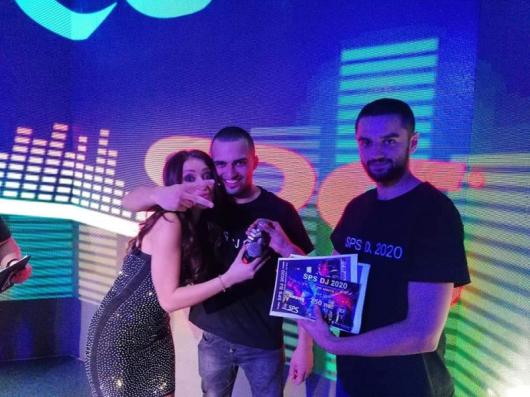 DJ Lyubo G в дясно на снимката, DJ Gogo Xita (Gopata) в ляво