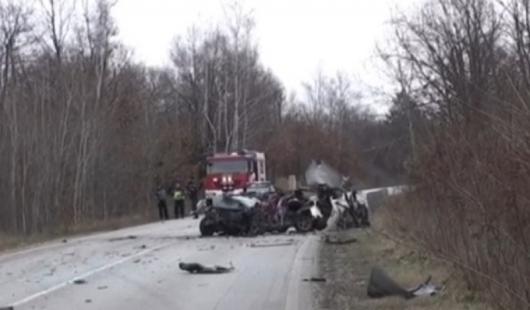 Това е останало от колата след удара; Кадър: bTV