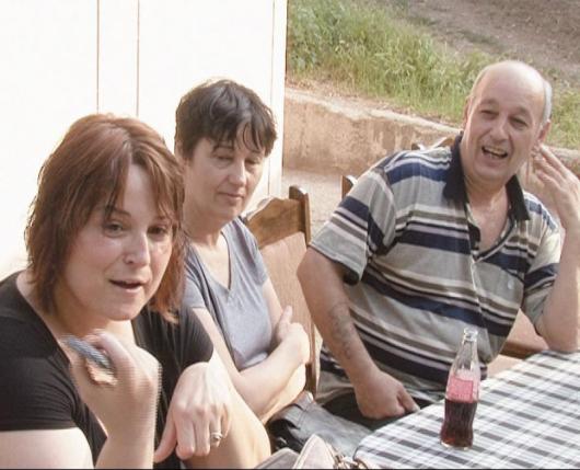 Инициаторите - Стоян Андонов със сестра си Емилия, която пристигна от Чикаго, и Мария Кусимитрева /най-вляво/