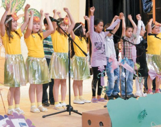 Децата от училищата в Сандански се включиха в благотворителния концерт