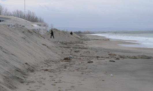 Северният плаж в Бургас скоро ще бъде готов за летовници. Снимка: Булфото