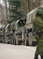 Според украински официални лица в Крим от 24 февруари досега са разположени 16 000 руски войници. Сн.: EPA/БГНЕС