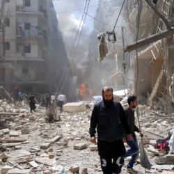 Множество разрушения и жертви причиниха месеците сражения в разделения град Алепо. Сн.: EPA/БГНЕС
