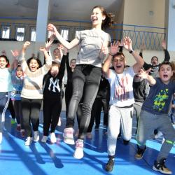 Детска радост в Хасково след обявена грипна ваканция. Сн.: БТА