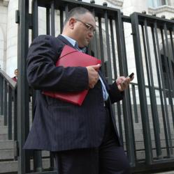 Владимир Кузов пред Съдебната палата. Сн.: Bulphoto