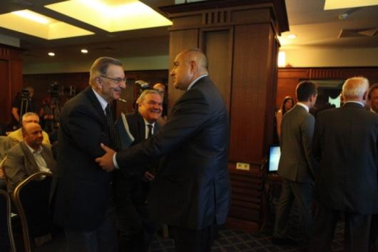 През 2005 г. Бойко Борисов (д.) напусна поста Главен секретар на МВР, след като Румен Петков (с.) оглави силовото ведомство Снимка: Ладислав Цветков